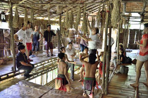 マリマリ文化村 ムル族の家